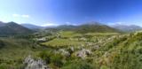 Les vignes du domaine vue des montagnes
